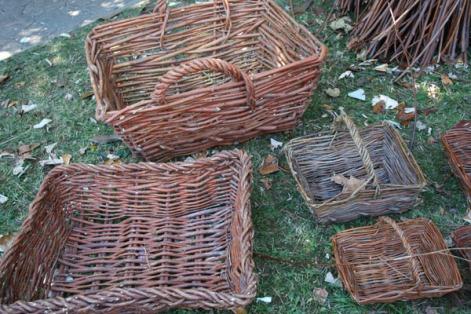haciendo-cestos-artesanales-madera-avellano-asturias-3
